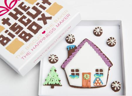 Winter lodge biscuit, winter lodge cookie, iced house biscuit